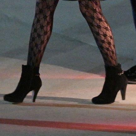 Фото №2 - Первая леди США Джилл Байден взорвала интернет «неуместными» колготками в сеточку