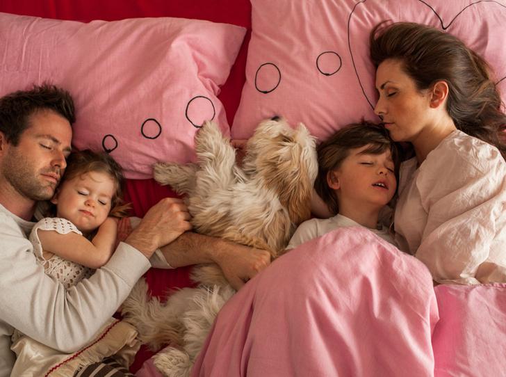 Фото №2 - Почему мы устаем сильнее мужчин