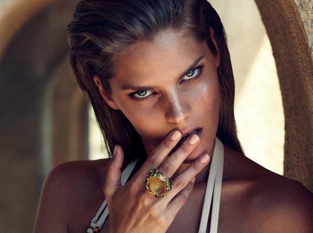 Фото №2 - Beauty-энциклопедия: как правильно пользоваться хайлайтером