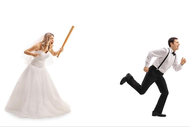 Фото №2 - Его уже ищут: мужчина в Питере сбежал со своей свадьбы сразу после росписи