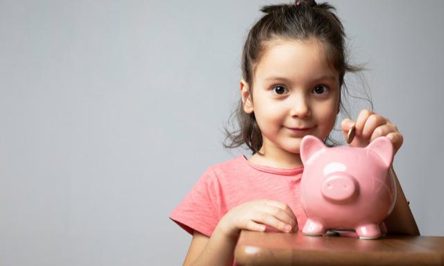 В июле семьи с детьми повторно получат по 10 тысяч рублей на каждого ребенка