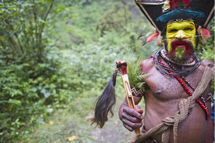 Фото №1 - Зачем папуасам ножи из человеческих костей