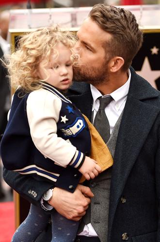 Фото №21 - 25 по-настоящему милых фото самых знаменитых отцов в мире
