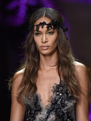 Фото №49 - Неделя Высокой Моды в Париже: Atelier Versace FW2015/16
