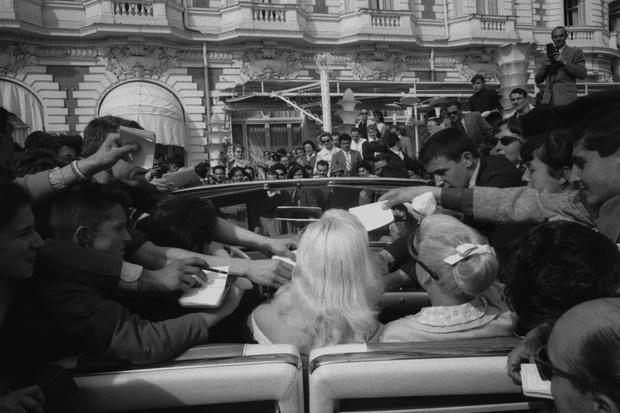 Фото №5 - Как устроены Канны: ходячая реклама, подстроенные ограбления, эффект Лены Лениной