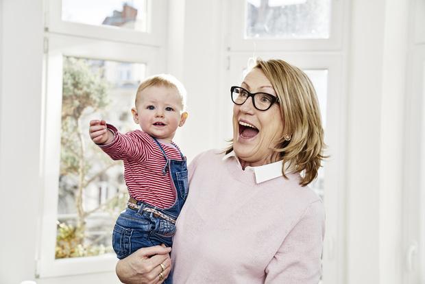 Фото №2 - 7 нюансов воспитания, которые нельзя обсуждать с бабушками