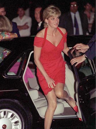 Фото №14 - Как принцесса Диана одевалась бы в наши дни (и осталась бы она иконой стиля?)