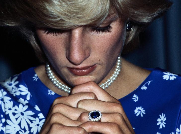 Фото №1 - История помолвочного кольца принцессы Дианы и Кейт Миддлтон