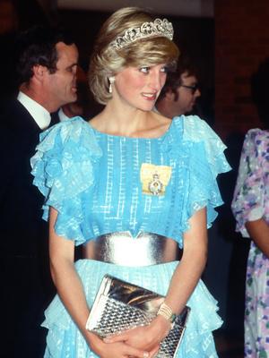 Фото №19 - От люксовых до бюджетных: любимые бренды принцессы Дианы