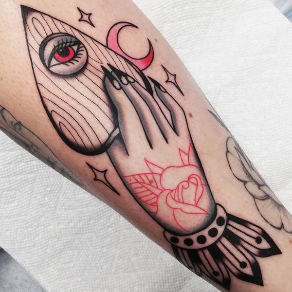 Фото №3 - Какие татуировки подойдут разным знакам зодиака? 👀