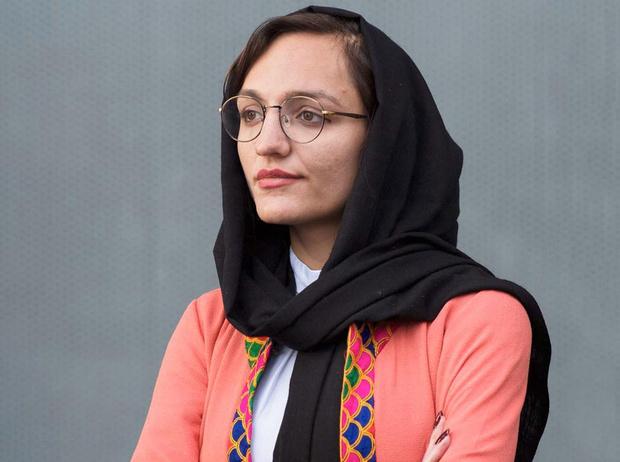Фото №1 - Под угрозой смерти и тюрьмы: история борьбы самой молодой женщины-мэра в Афганистане
