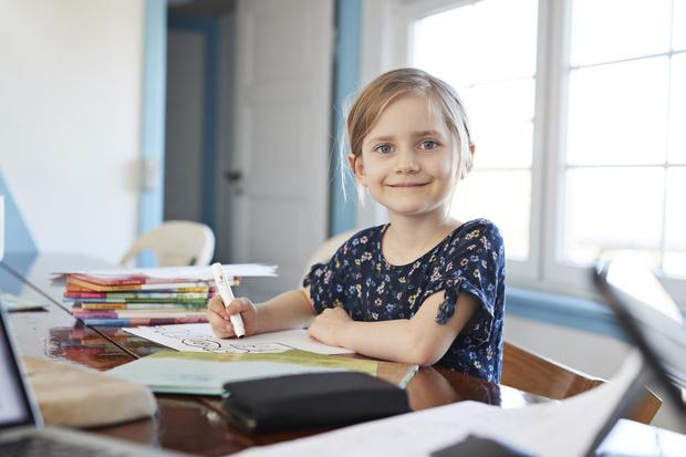 Фото №1 - Что надеть в школу: 30 стильных вариантов для вашего ребенка
