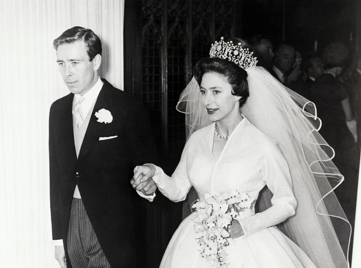 Фото №2 - Роковое украшение: как тиара принцессы Маргарет оказалась в центре скандала