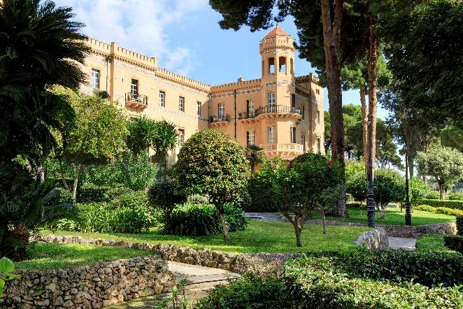Фото №1 - Где остановиться летом в Италии: новый отель, который готов принять гостей после локдауна