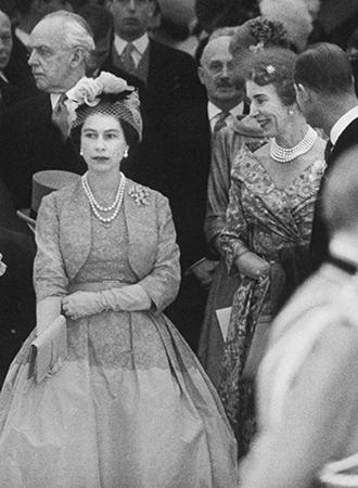 Фото №7 - Королевская свадьба #2: как выходила замуж «запасная» принцесса Маргарет