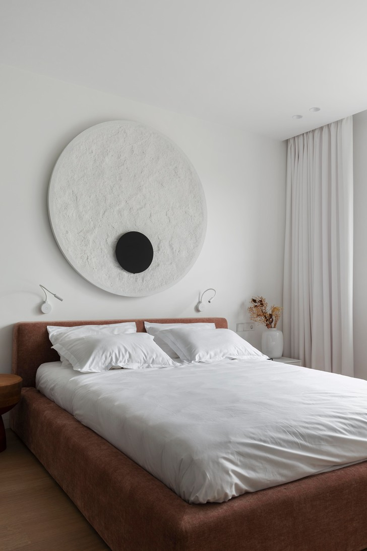 Фото №5 - Стена над изголовьем кровати: 10 идей декора