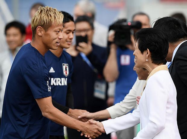 Фото №7 - Кто такая японская принцесса Хисако Такамадо (и почему она болеет за футбол)