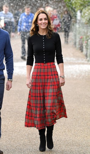 Фото №2 - Гардероб на миллион: самые дорогие наряды герцогини Кейт