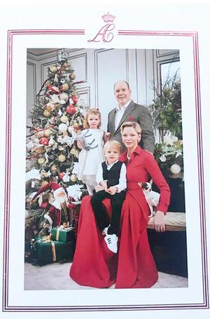 Фото №2 - Самые удачные (и долгожданные) рождественские королевские открытки 2018 года