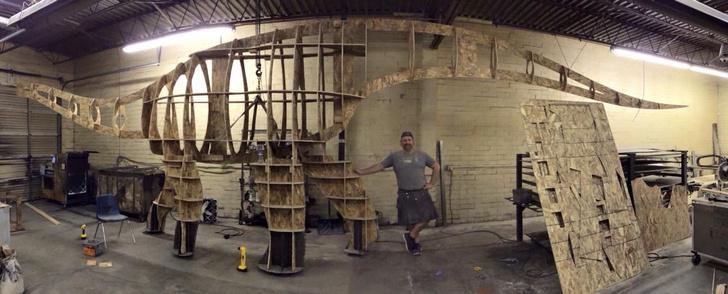 Фото №3 - Отец своими руками построил детям 14-метрового динозавра— детскую площадку (фото и видео)