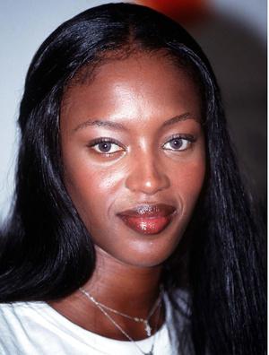Фото №25 - Ботокс, филлеры, ранняя пластика: как супермодели 80-х и 90-х сохраняли свою красоту. Комментируют бьюти-эксперты