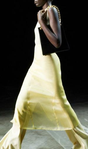 Фото №6 - Как носить платье с брюками: модные идеи на любой случай