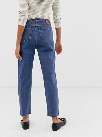 Фото №6 - Какие джинсы носить осенью 2020: 7 главных трендов