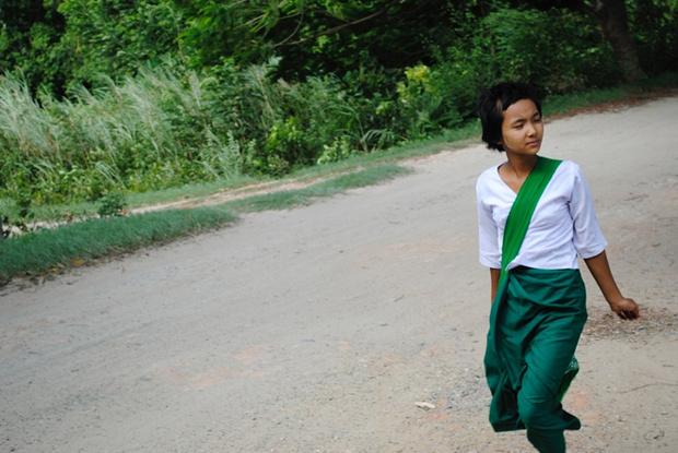 Фото №16 - Школьная форма: халаты, сари и короткие юбки