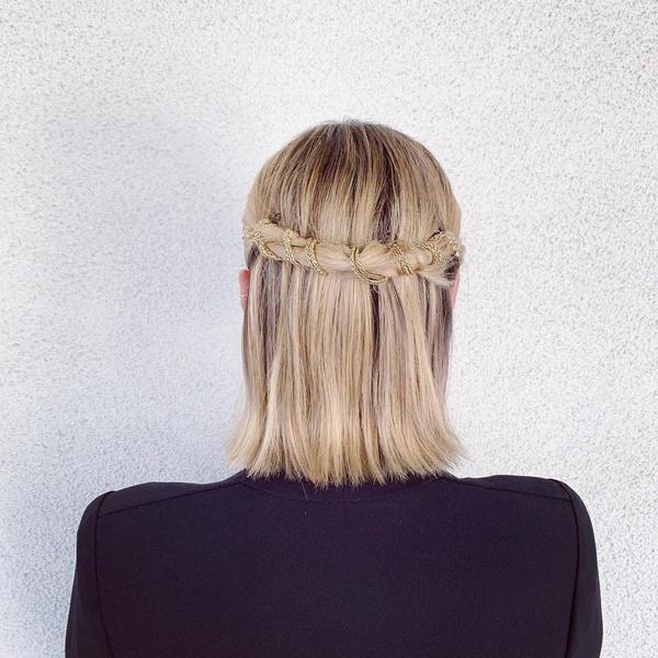 Фото №3 - 10 вариантов укладок для прямых волос