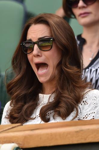 Фото №10 - И смех, и слезы: звезды на трибунах Уимблдона глазами фотографов