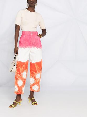 Фото №15 - Самые трендовые джинсы сезона весна-лето 2021: собрали 11 пар, которые украсят ваш гардероб