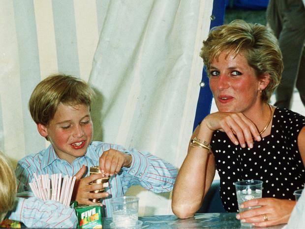 Фото №2 - Необычный выбор: какую еду обожали в детстве Гарри и Уильям (и это вовсе не фастфуд)