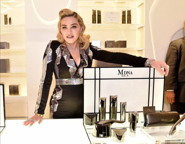 Фото №7 - Как тело Мадонны наказало ее за десятилетия суровых нагрузок и диет