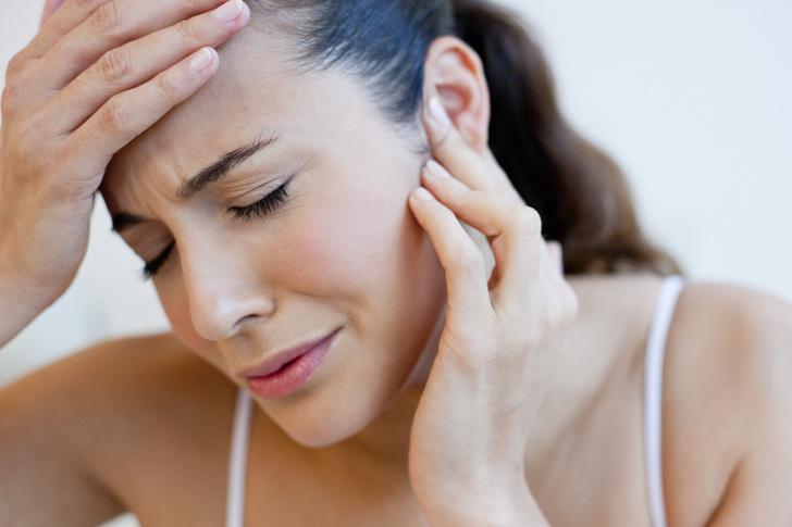 Фото №1 - Почему может появиться шишка за ухом и как от нее избавиться?