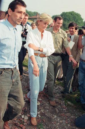 Фото №4 - Как принцесса Диана одевалась в 90-е годы