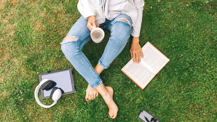 Фото №2 - Что происходит с телом (и с отношениями), когда вы читаете?