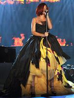 Рианна (Rihanna) на «Грэмми»-2011
