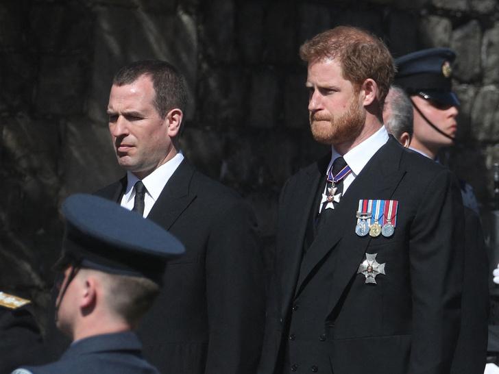 Фото №3 - Почему члены королевской семьи отказываются общаться наедине с принцем Гарри