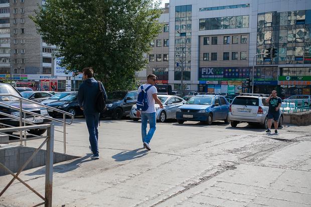 Фото №3 - Вся жизнь— игра: прогулка по Челюскинскому с актером «Красного факела»