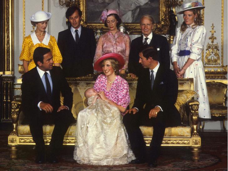 Фото №7 - История в фотографиях: какими были крестины принца Уильяма, и кто стал крестными родителями будущего короля