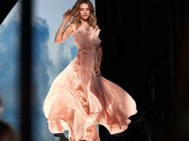 Фото №33 - Мода из отходов: звезды и дизайнеры, выбирающие эко-одежду