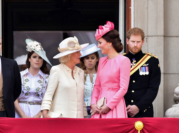 Фото №3 - Чужие люди: почему Кейт так и не подружилась с принцессами Беатрис и Евгенией