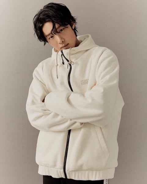 Фото №4 - Хёнджин из Stray Kids, актер Чо Пён Гю, Кихён из MONSTA X: в Корее массово обвиняют звезд в буллинге 😱