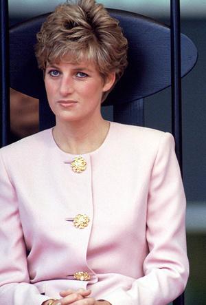 Фото №45 - Как Кейт Миддлтон вдохновляется стилем принцессы Дианы (и, главное, зачем?)
