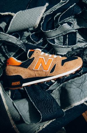 Фото №2 - Американская классика: новые кроссовки из коллаборации Levi's и New Balance