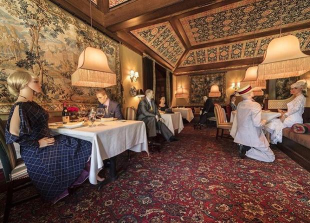 Фото №2 - 10 ресторанов, придумавших остроумные способы заставить посетителей соблюдать дистанцию