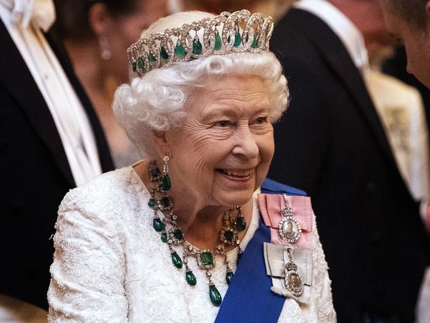 Фото №1 - Вечерний ритуал Королевы: как Елизавета II завершает каждый свой день
