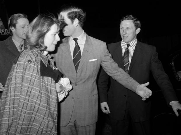 Фото №2 - Высокие отношения: как муж Камиллы отреагировал на измену жены с принцем Чарльзом