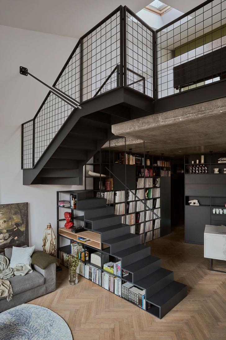 Фото №2 - Эклектичная квартира со спальней в мезонине в Познани