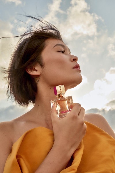 Фото №4 - Valentino представляет новый аромат Voce Viva
